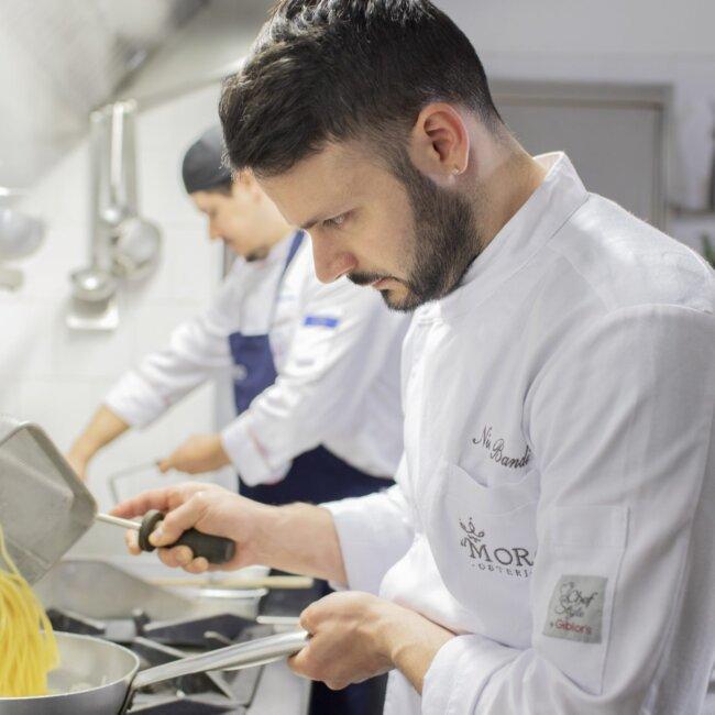 Preparazione primi Chef Nicola Bandi dell'Osteria Il Moro Trapani