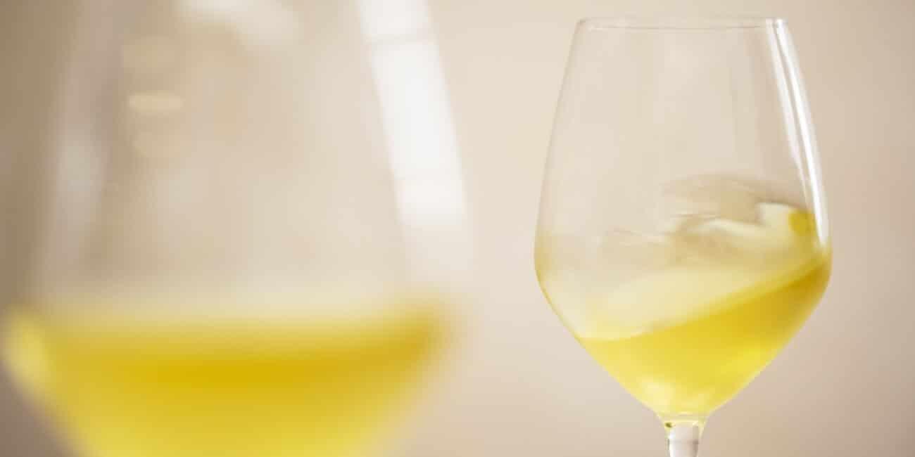 Bicchiere di vino dell'Osteria Il Moro Trapani